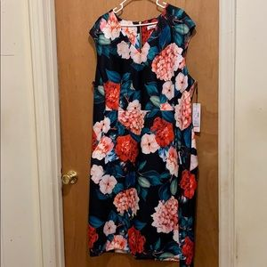 Women's dress size 22W